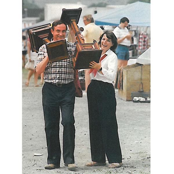 ralph and terry kovel at a flea market